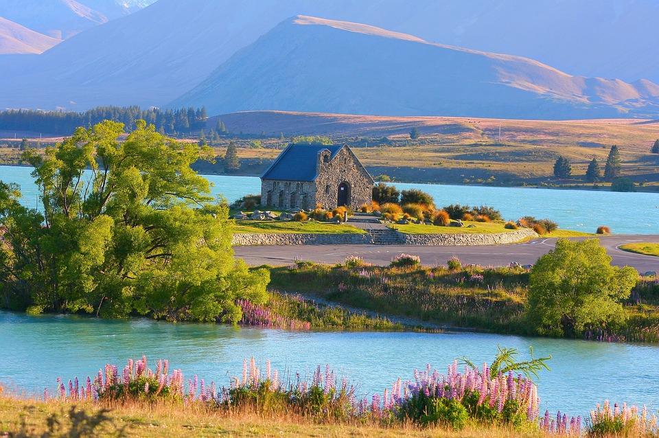 Езерото Текапо в Нова Зеландия